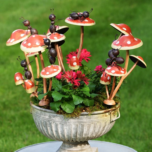 Set of 6 Funny Ants on Mushroom Stakes