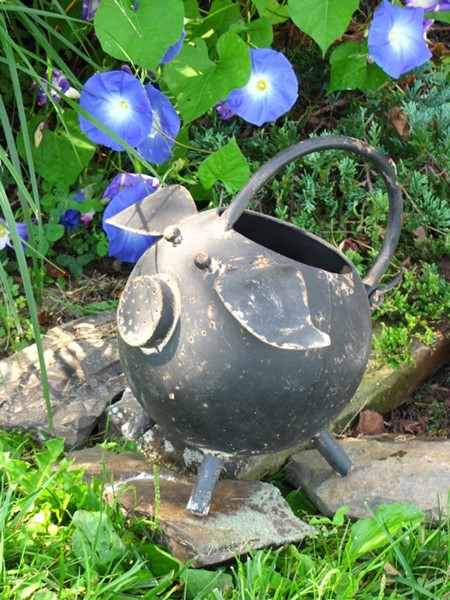 SMALL PIG WATERING CAN