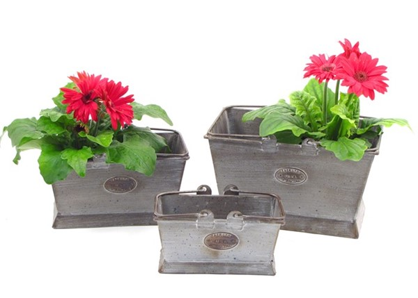 SET 3 RECTANGULAR IRON PLANTERS WITH MOVING HANDLES