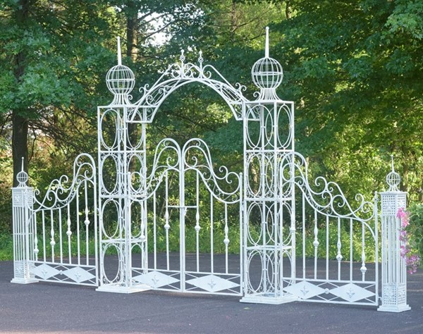 LARGE GARDEN GATE WITH ARCH AND FENCE - ANTIQUE WHITE