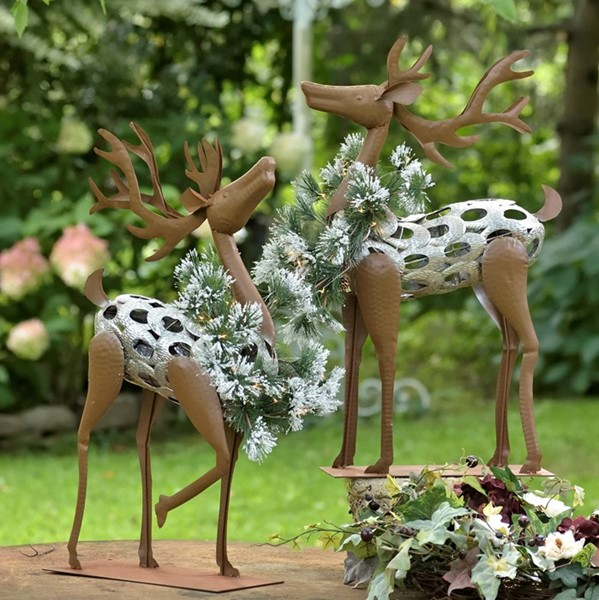 SET OF 2 IRON  REINDEER WITH CHRISTMAS WREATH AND LED LIGHTS