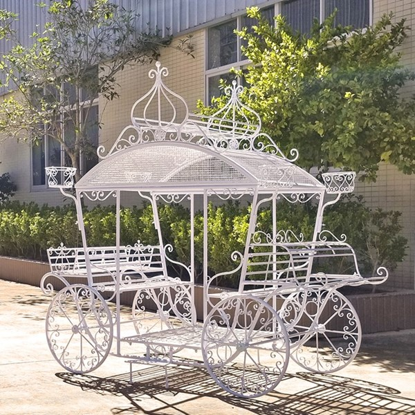 "Small Cinderella Carriage Plant Stand ""Stephania"""